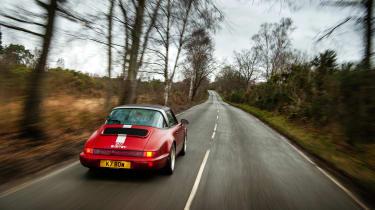 Everrati Porsche 964 – rear tracking