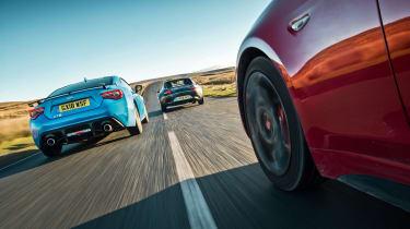 Mazda MX-5 vs Toyota GT86 vs Abarth 124 Spider rear tracking