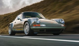 Theon Design 964 Porsche 911 restomod