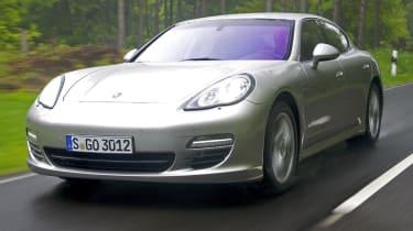 Porsche Panamera V6 front tracking
