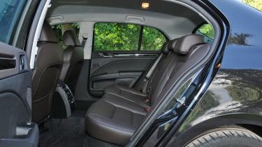 Skoda Superb V6 Laurin & Klement interior rear space seats