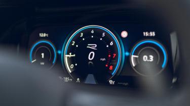 Volkswagen Golf R 2021 review - dials 2