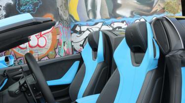 Lamborghini Huracan Spyder - seats
