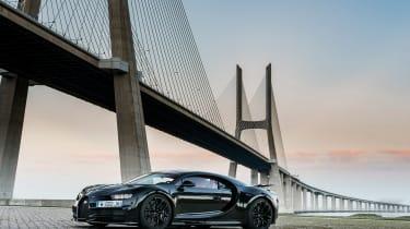 Bugatti Chiron - side profile