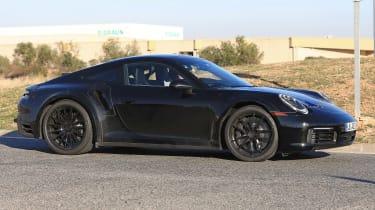 Porsche 911 Turbo spy 2017 - side