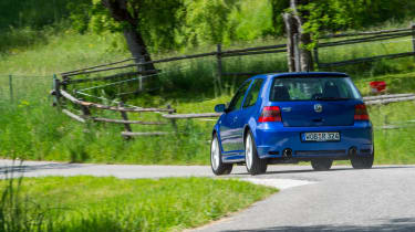 Volkswagen Golf R32 rear cornering