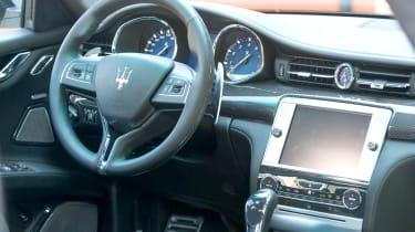 2013 Maserati Quattroporte S V6 interior steering wheel