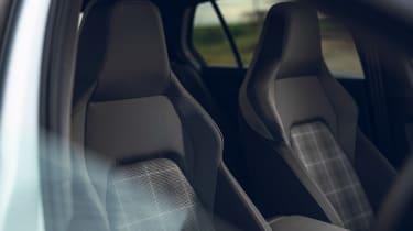 Volkswagen Golf GTD 2021 review - seats
