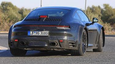 Porsche 911 Turbo spy 2017 - rear