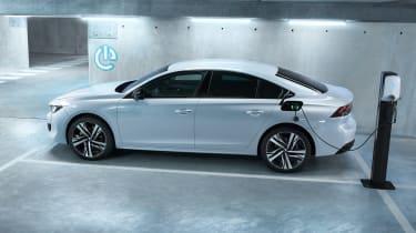 Peugeot 508 Hybrid -