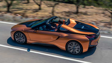 BMW i8 Roadster top