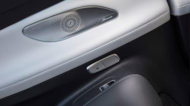 Mercedes-Benz E400 4Matic Cabriolet - Speaker