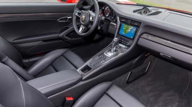 991.2 Porsche 911 Turbo S - interior