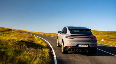 Porsche Cayenne Turbo GT – rear cornering