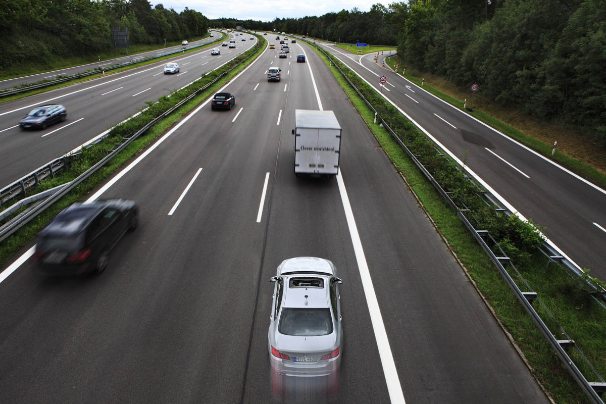 Mandatory speed limiters to be fitted to all new UK cars after 2022