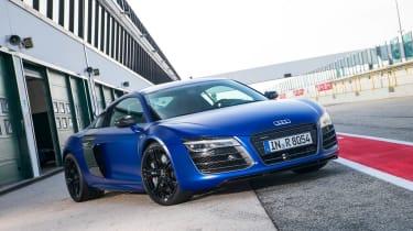 2013 Audi R8 V10 Plus front view