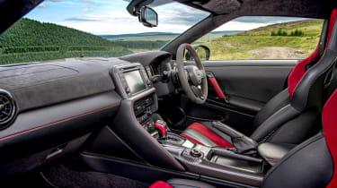 992 GT3 group test – GT-R interior