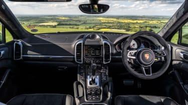 Porsche Cayenne GTS - Interior