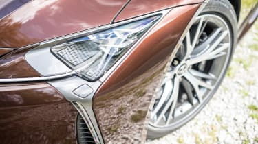 Lexus LC500h - headlight