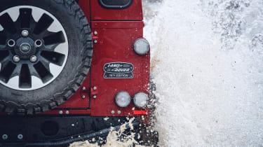 Land Rover Defender Works V8 – rear close-up