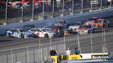 Daytona 500 2017 - Fusion crash