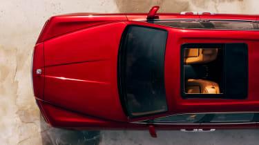 Rolls Royce Cullinan - bonnet