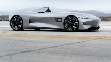 Infiniti Prototype 10 - side