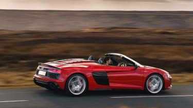 Audi R8 Spider side