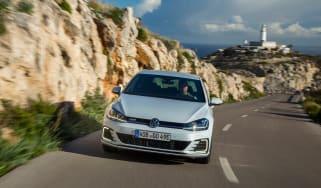 2017 Volkswagen Golf GTE - Front