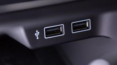 2018 VW Polo GTI – USB ports