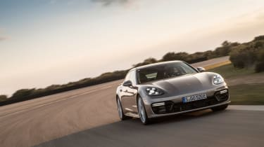 Porsche Panamera Turbo S E-Hybrid ride - front tracking