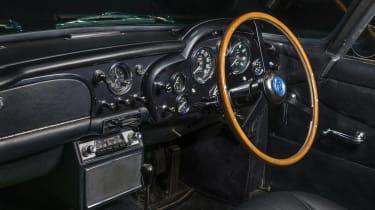 Aston Martin DB4 GT - dash