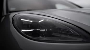Porsche Macan GTS 2021 – headlights