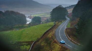 Volvo P1800 Cyan Racing – pull back
