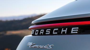 Porsche 992 911 - badge