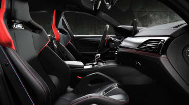 BMW M5 CS - front cabin