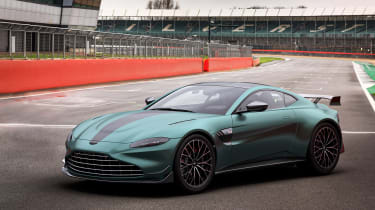 Aston Martin Vantage F1 Edition front quarter