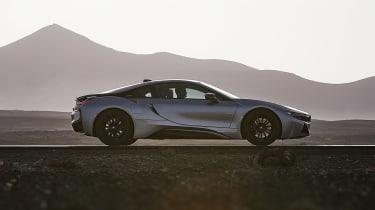 BMW i8 coupe profile