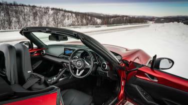Mazda MX-5 2019 - interior