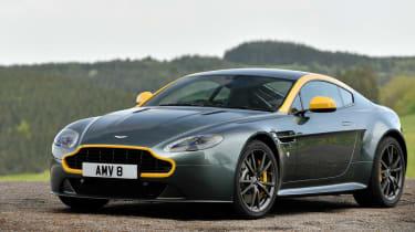 evo Magazine September 2014  - Aston Martin V8 Vantage N430