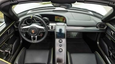 Porsche 918 Spyder - dash