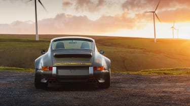 Theon Design 964 Porsche 911 restomod