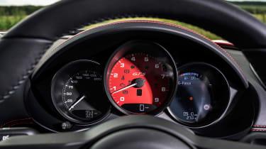 Porsche 718 Boxster GTS 4.0 PDK – dials