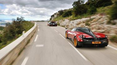 Pagani Huayra vs Bugatti Veyron Vitesse