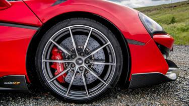 992 GT3 group test – 600LT wheel