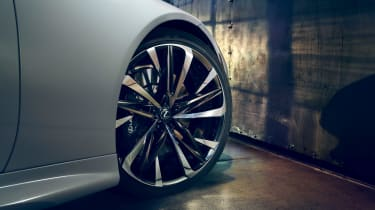 Lexus LC Convertible Concept wheel