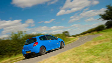 Renaultsport Clio 200 Cup racing blue b-road