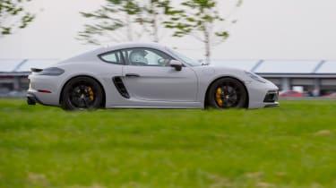 Porsche 718 Cayman GTS - Profile