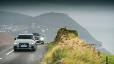 Audi RS 3 vs M2 - twin