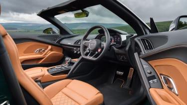 Audi R8 V10 Plus Spyder – interior driver side